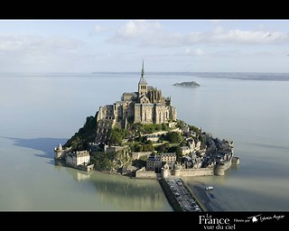 Mont_Saint_Michel_Castle_01
