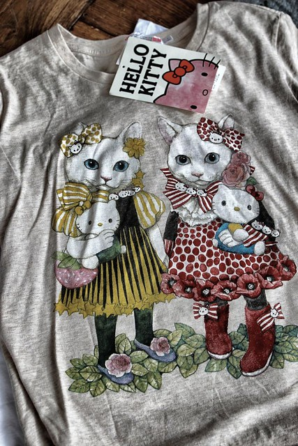 Hello Kitty Design T-Shirt