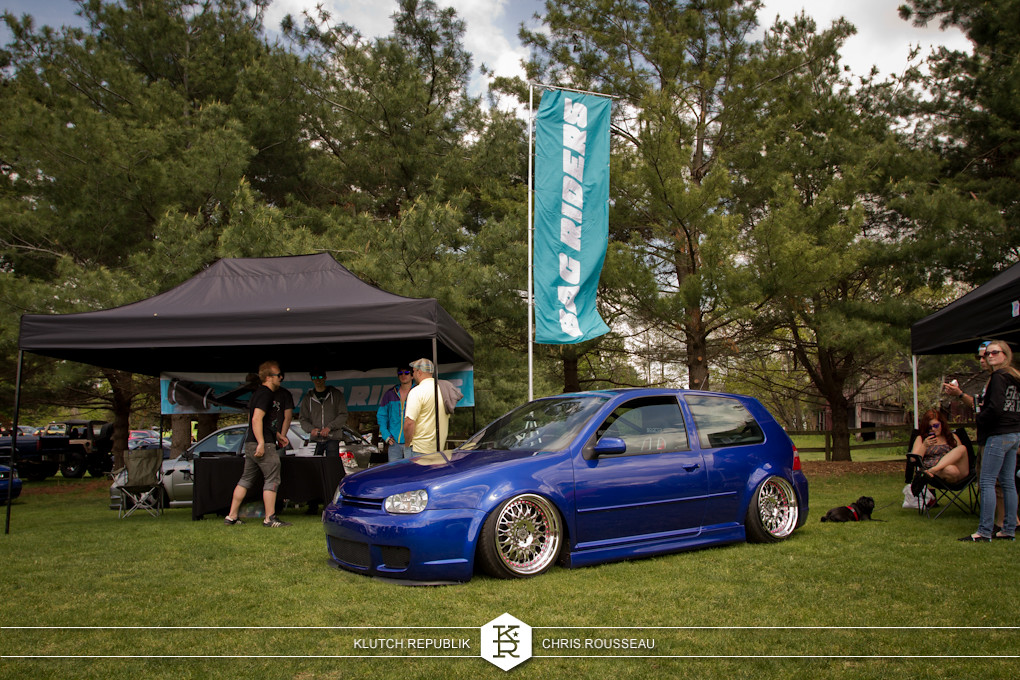 bag riders blue vw mk4 r32 on airride and VIP modular wheels at staggered 2012