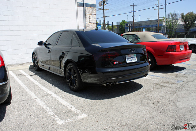 S4 blacked out