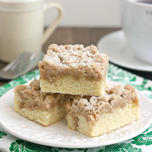New York Crumb Cake — Recipes Hubs