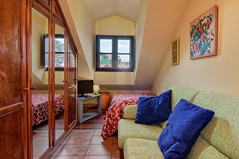 Living Room - cms 12