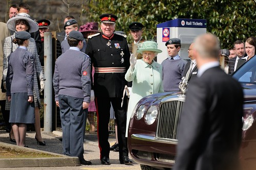 The Queen arriving at Burnley by Andy Pritchard - Barrowford