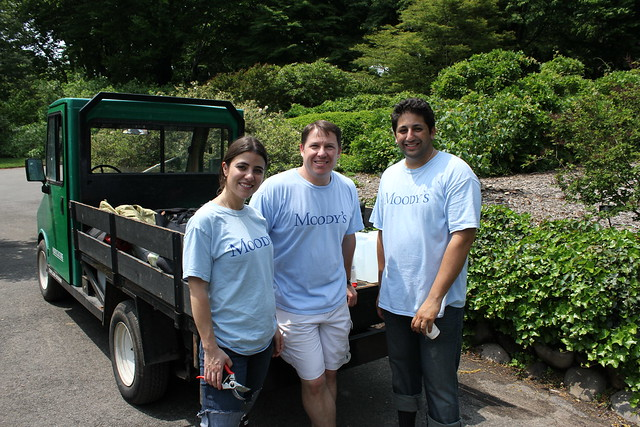 Volunteers enjoy a well deserved water break. Photo by Kathryn Littlefield.