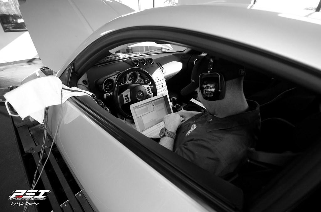 Jason Oefelein tuning Nissan 350Z - UpRev