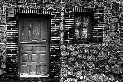 La toquilla, Calle Calvo Sotelo