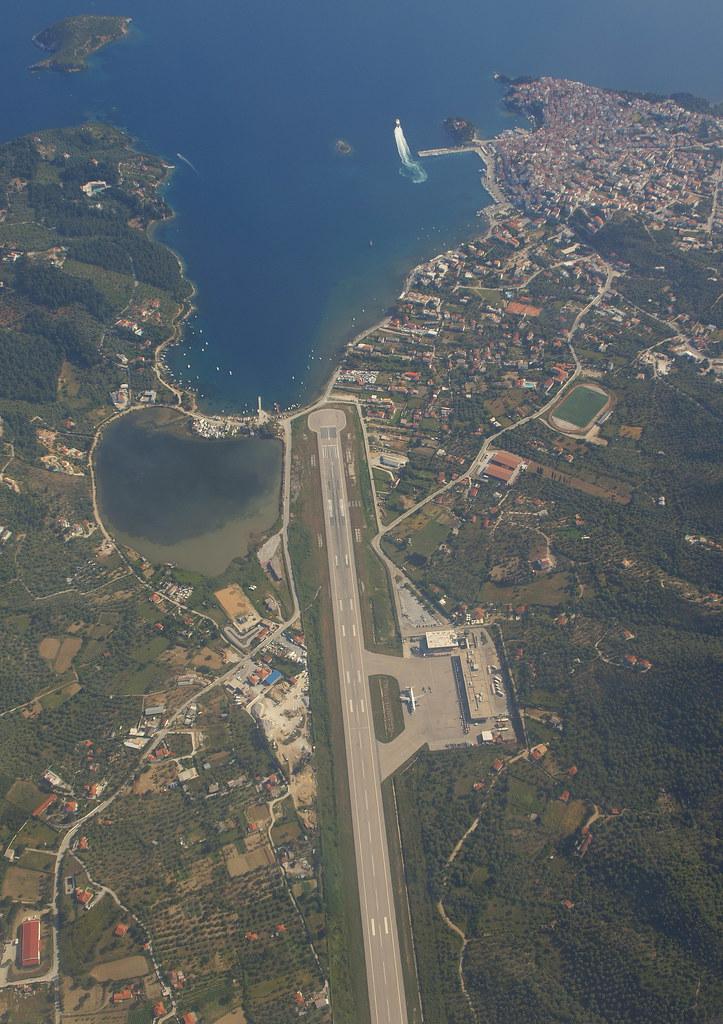 Aeroporto Skiathos : Uk airshow review forums skiathos