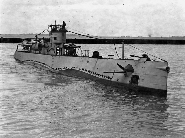 S-1 submarine & Martin MS-1 scout