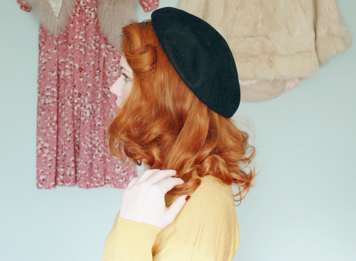 mustard black beret a