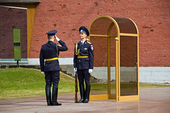Officiers sur la Tombe du Soldat Inconnu