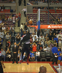 Pregame dunk from lebron james