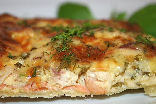 28 - Schwedischer Lachskuchen (Schwedenpizza) / Swedish salmon tarte (Swedish pizza) - CloseUp