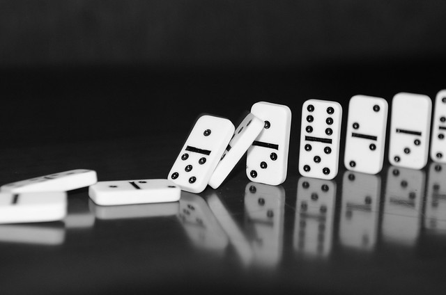 Dominoes in B&W (B1938)