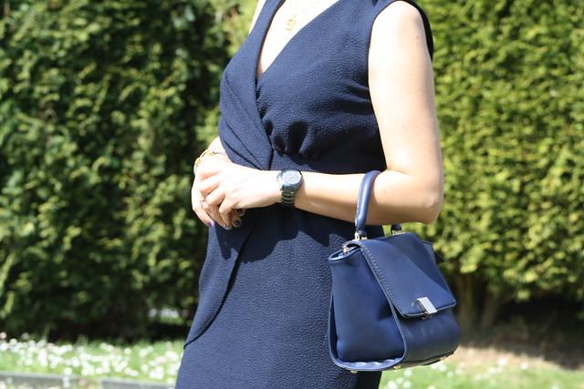 detalle vestido azul