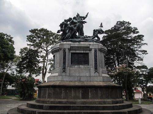 San José: le Parque Nacional et son Monument National représentant la Bataille de Rivas (contre les Américains)