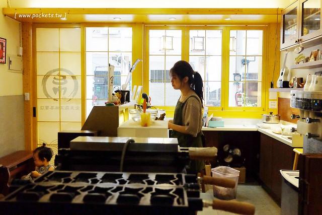 27144106492 7580d1c429 z - 金帛霜淇淋專賣店:一中商圈的散步美食,抹茶鯛魚燒宇治金時上市,搬了家之後空間更寬敞,有淡淡的日式復古氛圍