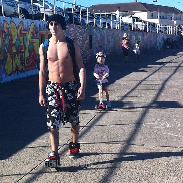 Skater Abs