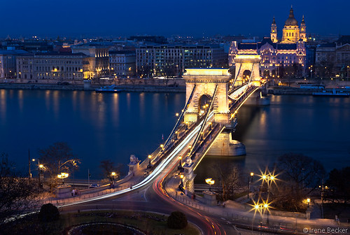 Szécheny Chain Bridge and St Stephens Basilica