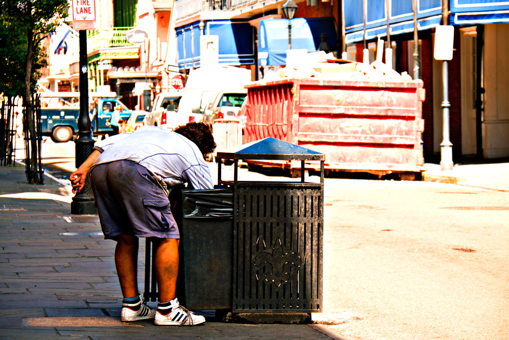 Man-scavenging-on-3-15-12--New-Orleans