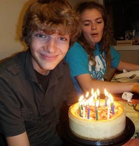 P4250232 (1) Square David with cake