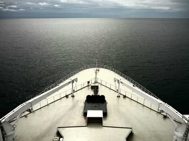 New York dead ahead: The bow of the Queen Mary 2 half way across the Atlantic