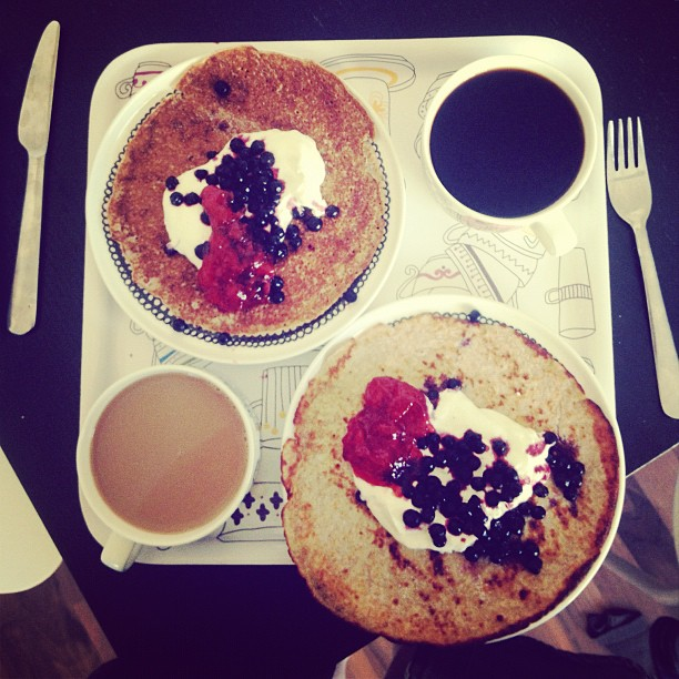 #hoodmorning #pancakes #strawberryjam #blueberries #breakfast #coffee #marimekko