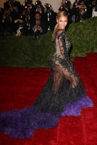Beyonce+Knowles+Celebs+Costume+Institute+Benefit+OG4MV-DjEtol