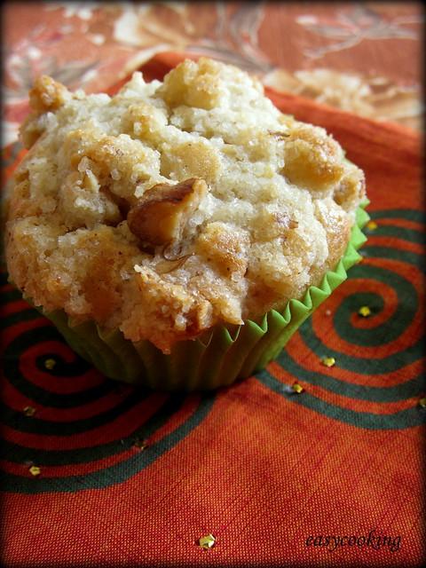 Chunky Apple Cinnamon Streusel Muffins