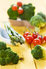 Tomatoes, esparragos & Brocoli