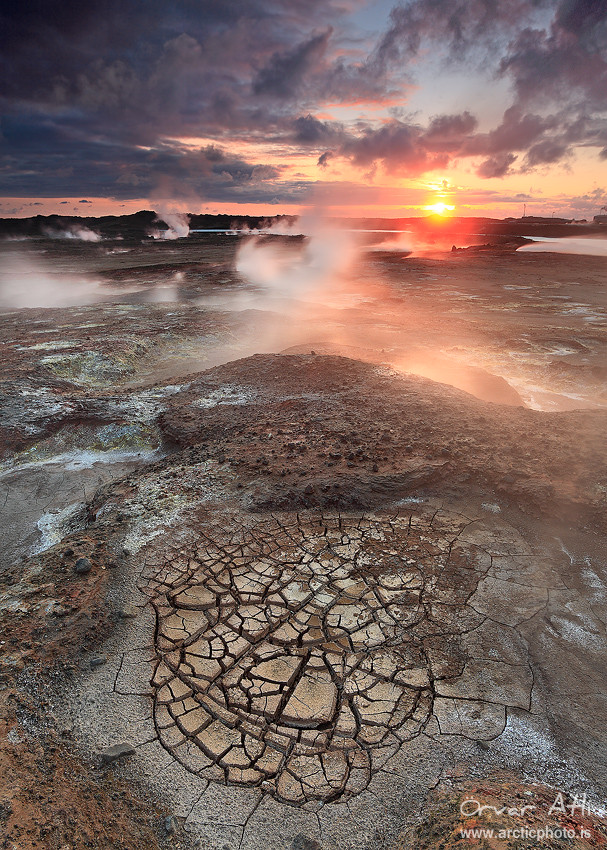 Cracked Ground - Gunnhver geothermal areas at Reykjanes, Iceland