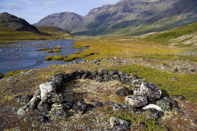 Stone ring-Stecker River-Torngat Mtns NP-2005_09_06-IMG_2298-S_Stone