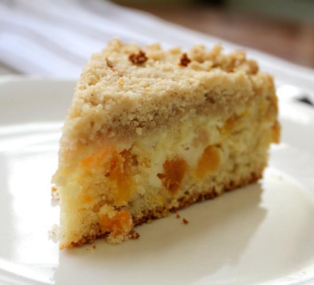 apricot crumb cake