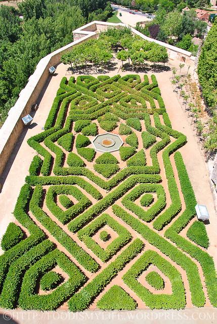 21 Alcazar Gardens