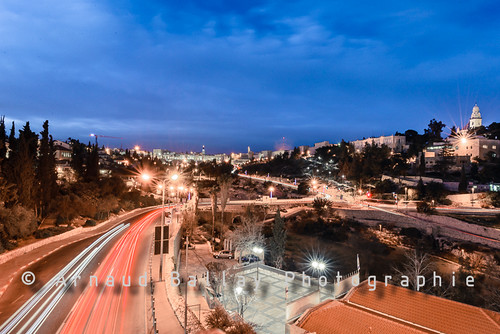 city longexposure architecture night landscape israel nikon cityscape il nuit ville février jérusalem 2014 israël d610 poselongue alqods districtdejérusalem nikkorafs1635mmf4