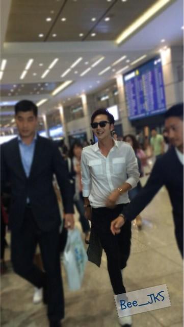 [Pics-2] JKS returned from Beijing to Seoul_20140427 14035590154_8edfabd85b_z