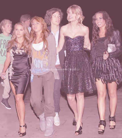 Niall, Louis, Emily, Miley, Taylor, & Demi