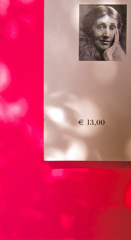 Virginia Woolf, Flush. Una biografia. A cura di Chiara Valerio; nottetempo, Roma 2012. progetto grafico di Dario e Fabio Zannier. quarta di copertina (part.), 1