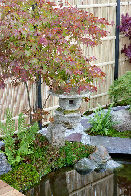 Asian zen theme garden flickr photo sharing for Japanese themed garden