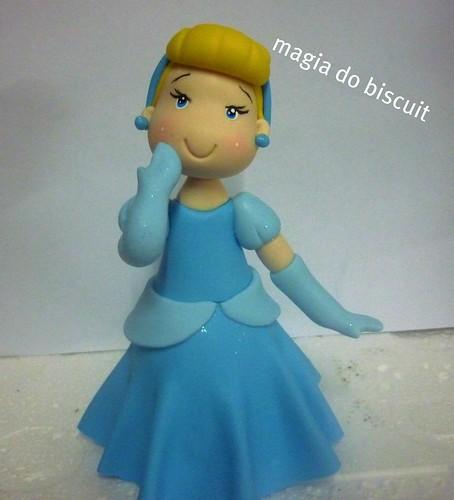 princesinha bela topo de bolo by galeria magia do biscuit