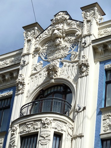 sculpture art window balcony columns latvia artnouveau riga jugendstil blinkagain