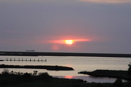 sunset tug crisfeild