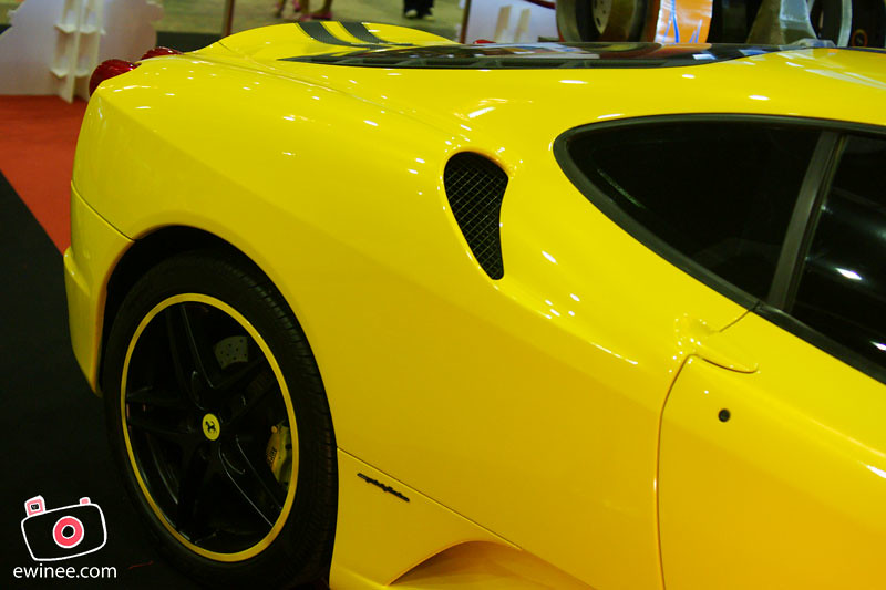 BUMBLE-BEE-FERARI-louvers
