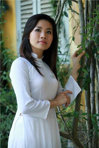 [フリー画像素材] 人物, 女性 - アジア, アオザイ ID:201211120800