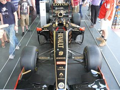 LOTUS RENAULT GP R31 F1 black 2011 vo