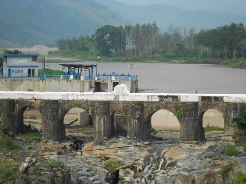 Puente Los Esclavos y Hidroeléctrica