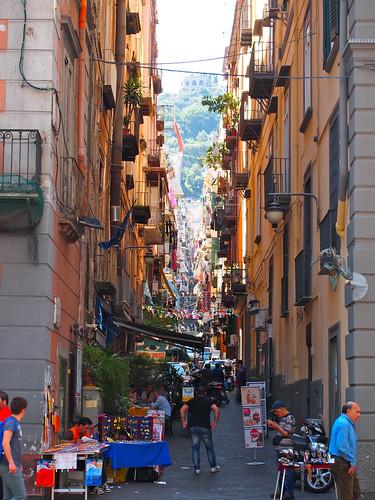 ナポリの街角