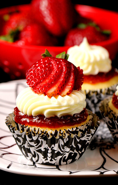 Strawberry Cheesecake Cupcake | Flickr - Photo Sharing!