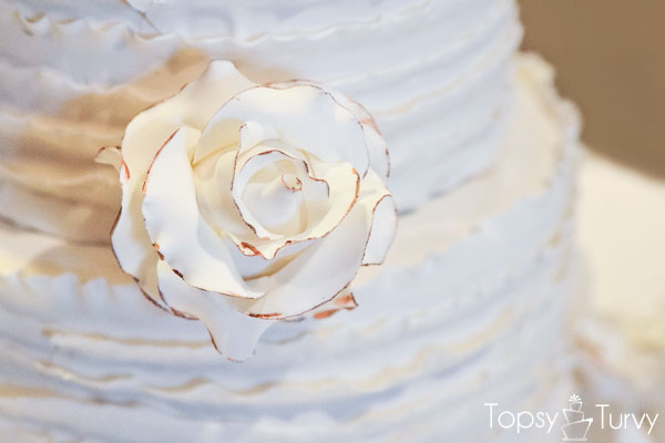 vintage-rose-ruffled-fondant-wedding-cake-close-up