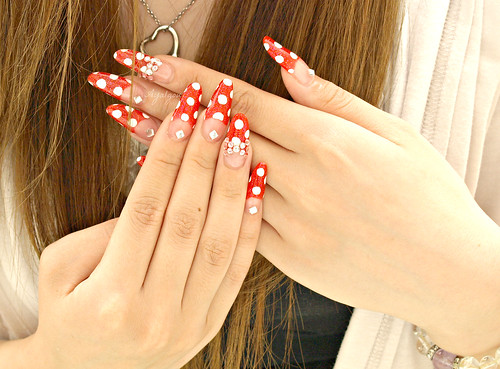 Polkadots nails
