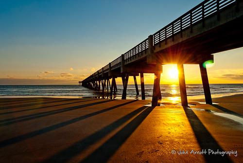 ocean bridge sunset sky orange beach sunrise pier sand unitedstates florida jacksonville fl atlanticocean bluebridge jacksonvillebeach 4star mainstreetbridge sunrisepier flordiasunrise mainstreetbridgejacksonvilleflorida